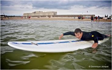 ©Dominique Jauquet - Verlamde surfer- 280818-3